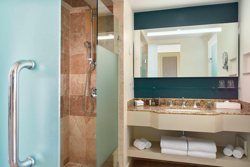 Marriott Puerto Vallarta Resort & Spa - Double/Double Bathroom - Pool Ocean View <br/>Image from Leonardo