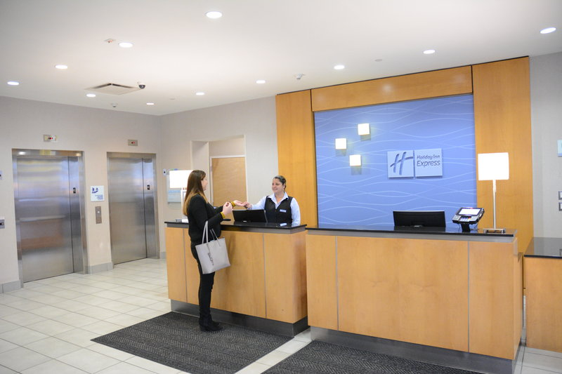 Holiday Inn Express & Suites Stamford-Hotel Lobby<br/>Image from Leonardo