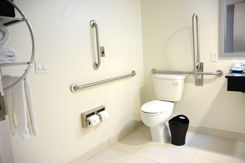 Holiday Inn Express & Suites Stamford-Accessible Bathroom<br/>Image from Leonardo