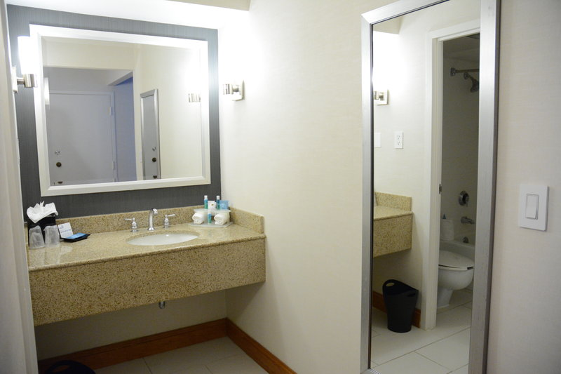 Holiday Inn Express & Suites Stamford-Vanity <br/>Image from Leonardo