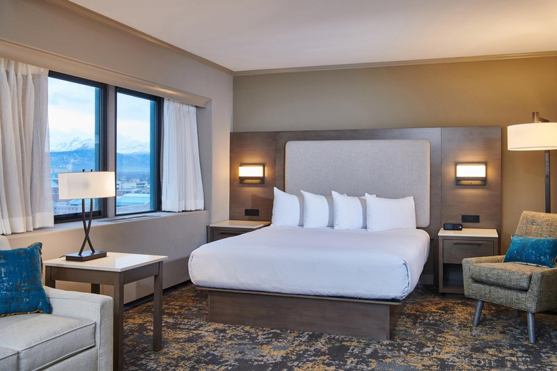 Hilton Anchorage-Deluxe King Room<br/>Image from Leonardo
