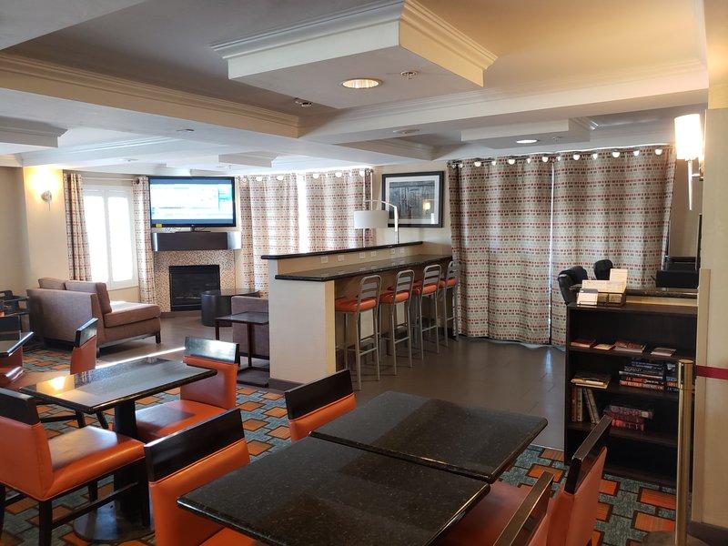 Holiday Inn Express & Suites Marana-Breakfast Area<br/>Image from Leonardo