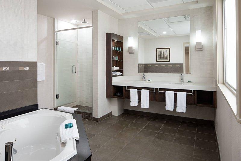 Delta Hotel Calgary South-Delta Loft Suite Restroom<br/>Image from Leonardo