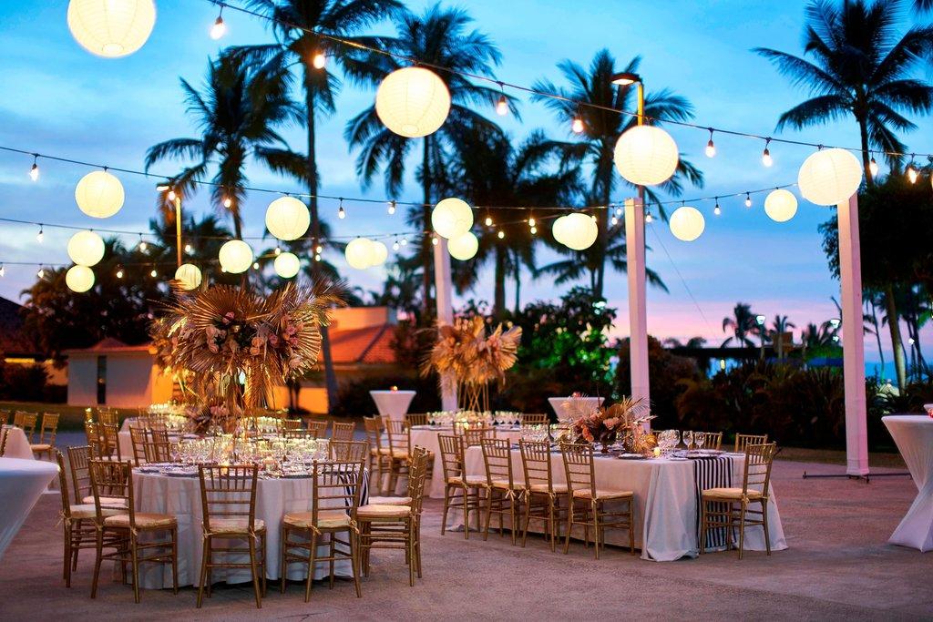 Marriott Puerto Vallarta Resort & Spa - Casitas Restaurant Patio - Reception <br/>Image from Leonardo