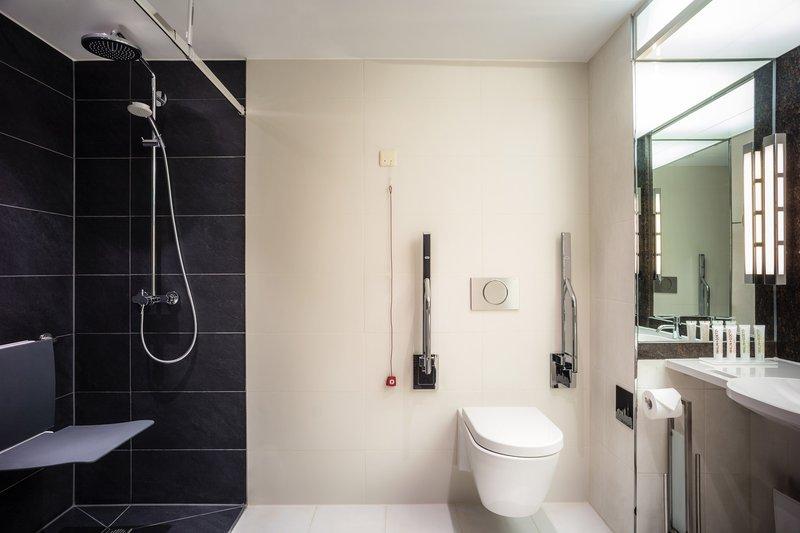 Le Meridien Stuttgart-Accessible Guest Bathroom<br/>Image from Leonardo