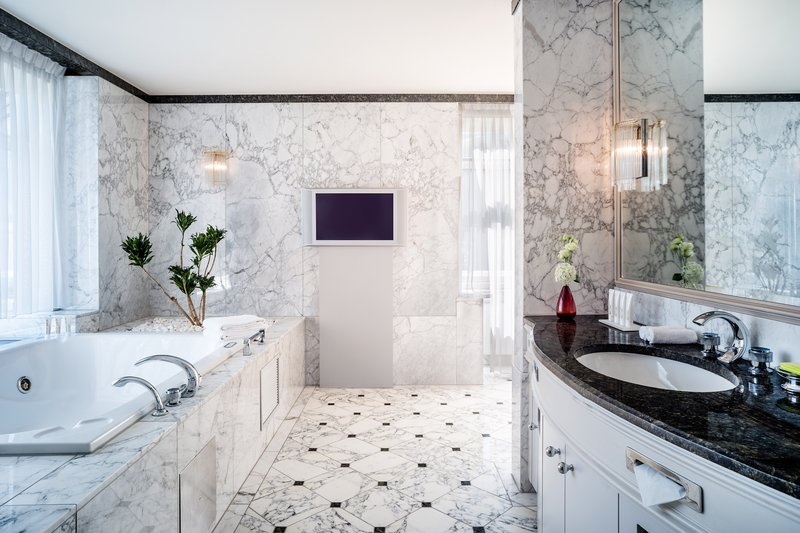 Le Meridien Stuttgart-Diplomats Suite Bathroom<br/>Image from Leonardo
