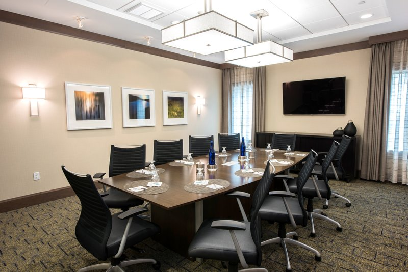 Staybridge Suites Albany Wolf Rd - Colonie Center-Board Room<br/>Image from Leonardo