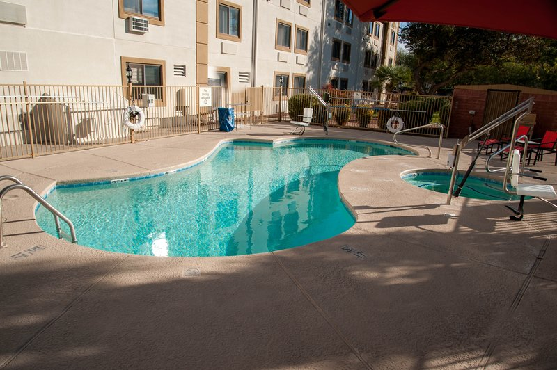 Holiday Inn Express Tucson-Airport-Swimming Pool<br/>Image from Leonardo