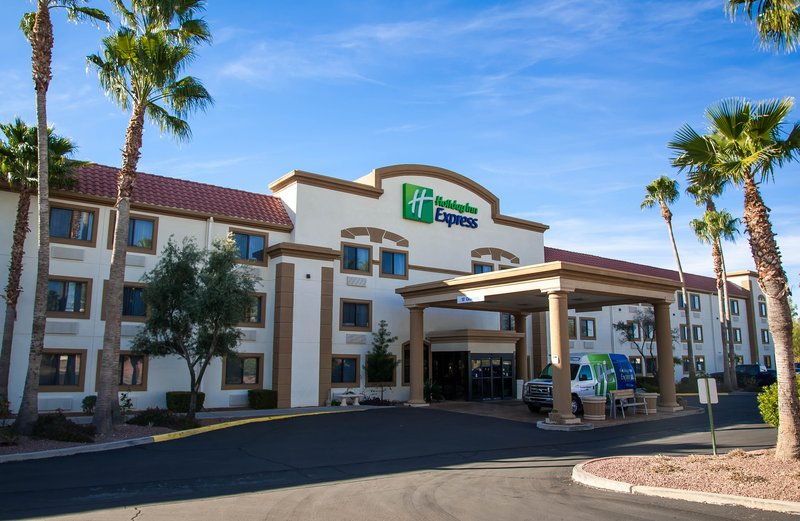 Holiday Inn Express Tucson-Airport-Visit Pima Air and Space Museum, Arizona Sonora Desert Museum<br/>Image from Leonardo