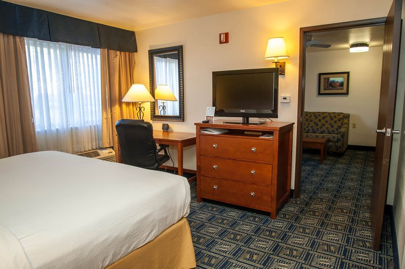 Holiday Inn Express Tucson-Airport-Guest Room<br/>Image from Leonardo