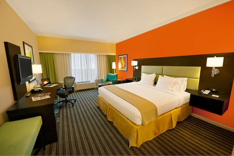 Holiday Inn Express Princeton Southeast-King Bedded Guest Room with Complimentary Wifi<br/>Image from Leonardo