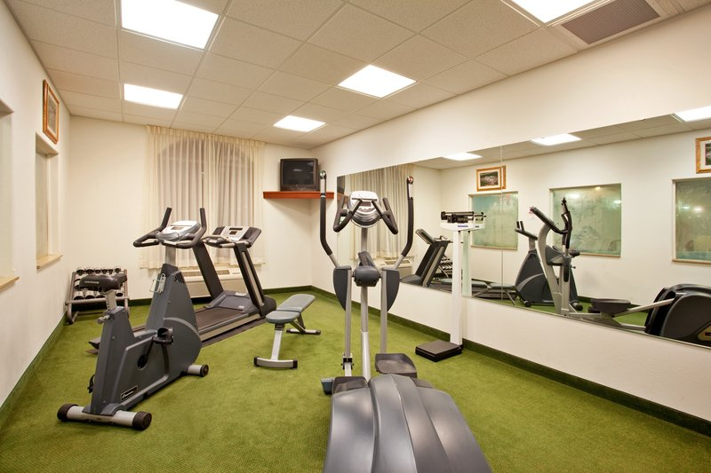 Holiday Inn Express & Suites Rockford-Loves Park-Fitness Center<br/>Image from Leonardo