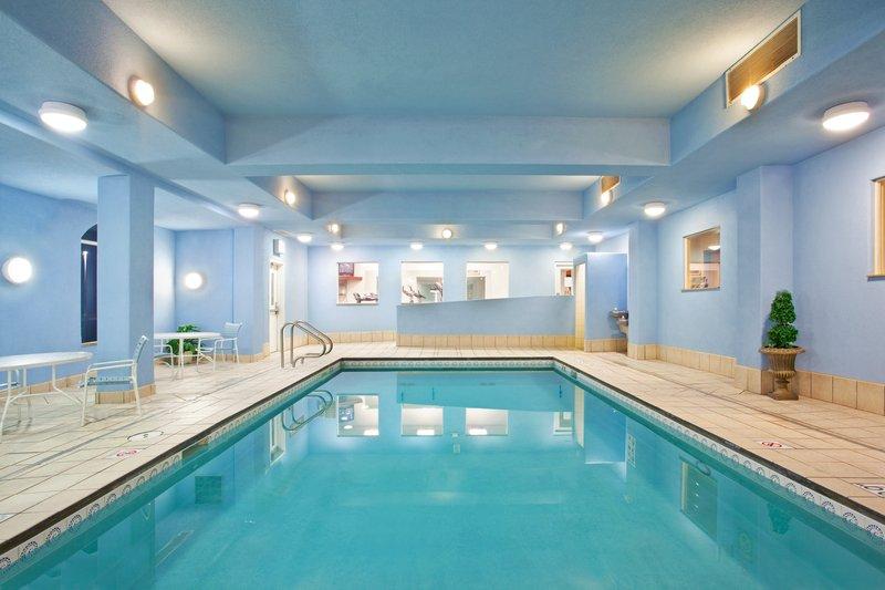 Holiday Inn Express & Suites Rockford-Loves Park-Swimming Pool<br/>Image from Leonardo