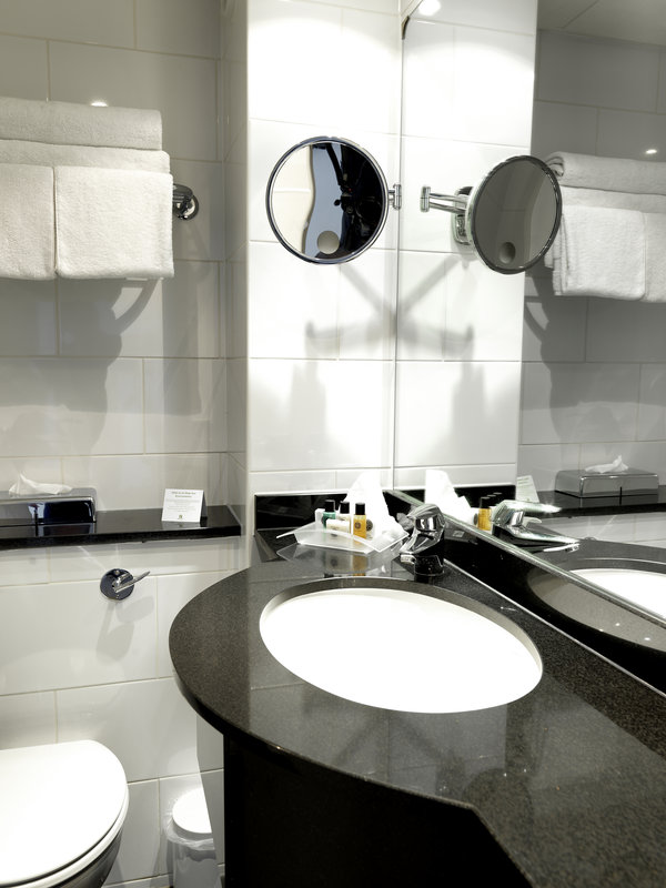 Holiday Inn Peterborough West-Guest bathroom at Holiday Inn Peterborough<br/>Image from Leonardo