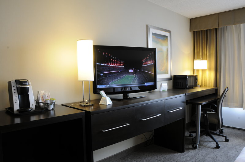 Holiday Inn Columbia East - Jessup-King Executive Suites feature Mini-Fridge, Microwave and Keurig<br/>Image from Leonardo