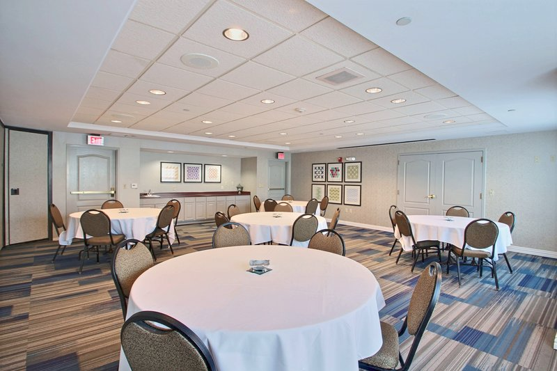 Holiday Inn Express & Suites Milwaukee Airport-Meeting Room near Milwaukee airport hotel<br/>Image from Leonardo