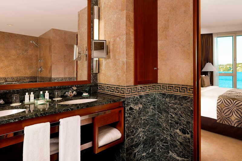 Hotel President Wilson; a Luxury Collection Hotel-Junior Suite - Bathroom<br/>Image from Leonardo