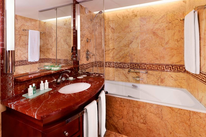 Hotel President Wilson; a Luxury Collection Hotel-Executive Suite - Bathroom<br/>Image from Leonardo