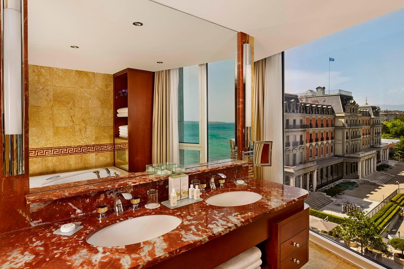 Hotel President Wilson; a Luxury Collection Hotel-Crown Suite - Bathroom<br/>Image from Leonardo