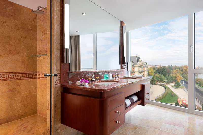 Hotel President Wilson; a Luxury Collection Hotel-Crown & Presidential Suites Bathroom<br/>Image from Leonardo