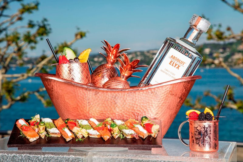 Hotel President Wilson; a Luxury Collection Hotel-Pool Bar - L'Aperitif<br/>Image from Leonardo
