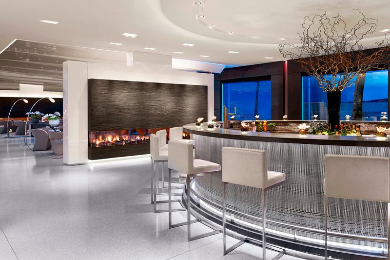 Hotel President Wilson; a Luxury Collection Hotel-Glow Bar with lake View<br/>Image from Leonardo