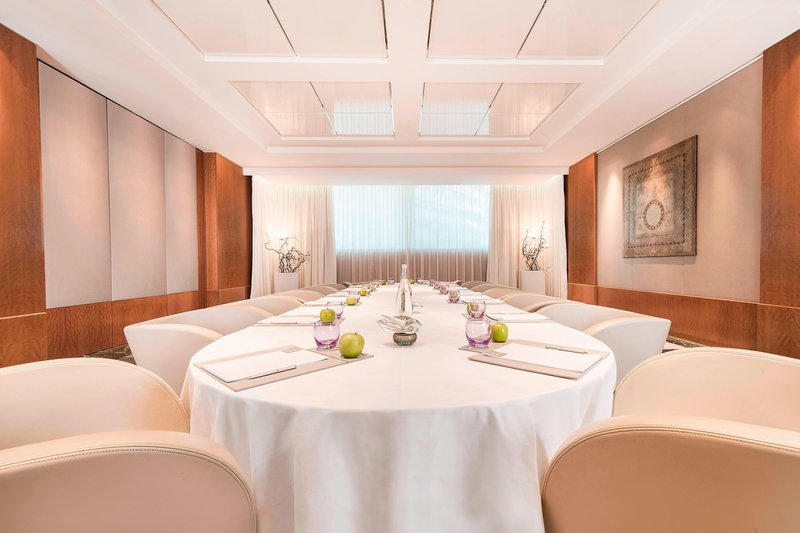 Hotel President Wilson; a Luxury Collection Hotel-Neptune Boardroom Style<br/>Image from Leonardo