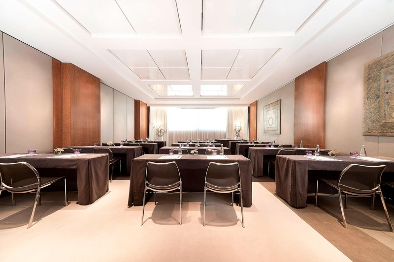 Hotel President Wilson; a Luxury Collection Hotel-Neptune Classroom Style<br/>Image from Leonardo