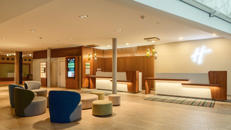 Berlin Airport Conference Centre-Front Desk<br/>Image from Leonardo