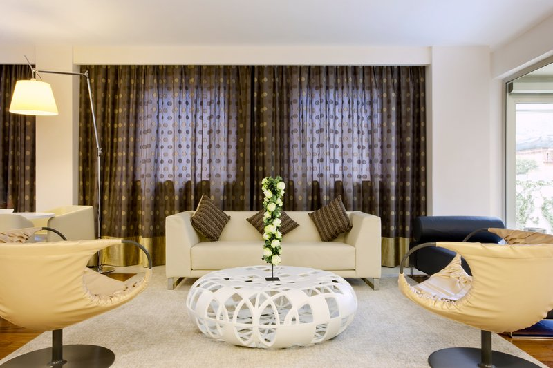 Holiday Inn Salerno - Cava de' Tirreni-Hotel lobby<br/>Image from Leonardo