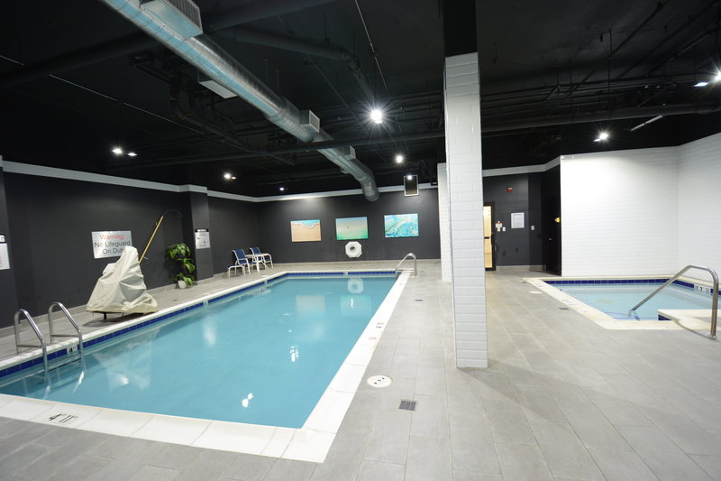 Holiday Inn Express & Suites Stamford-Swimming Pool<br/>Image from Leonardo