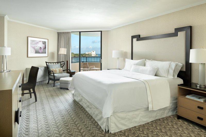 Moana Surfrider, A Westin Resort & Spa, Waikiki Beach - Tower Oceanfront Guestroom <br/>Image from Leonardo