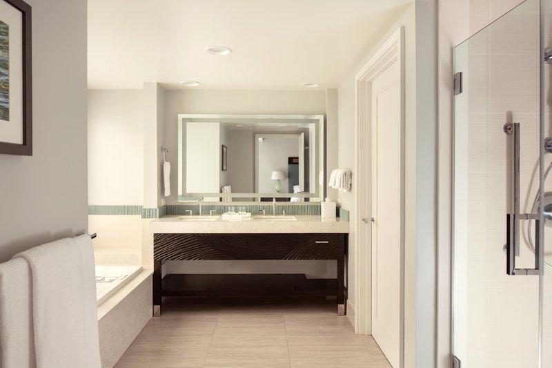 Moana Surfrider, A Westin Resort & Spa, Waikiki Beach - Penthouse Oceanfront Suite Bathroom <br/>Image from Leonardo