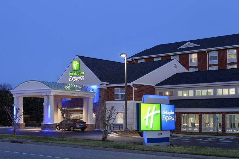 Holiday Inn Express Williamsburg North-Hotel Exterior<br/>Image from Leonardo