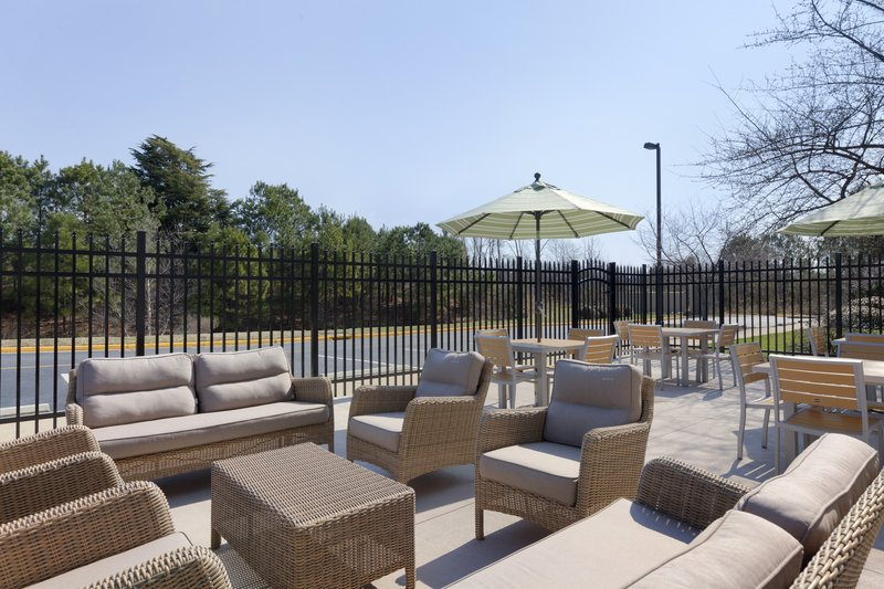 Holiday Inn Express Williamsburg North-Guest Patio<br/>Image from Leonardo