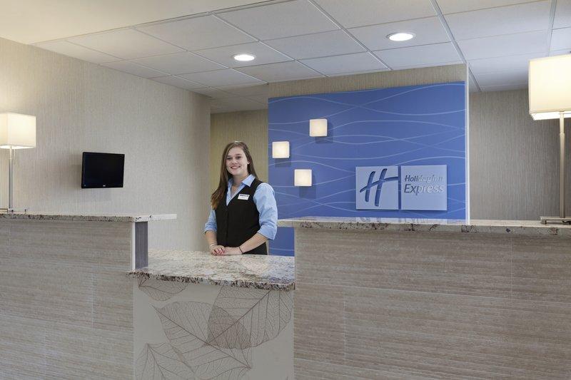 Holiday Inn Express Williamsburg North-Front Desk<br/>Image from Leonardo