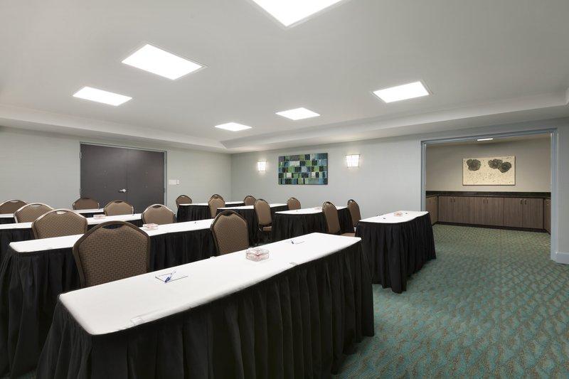 Holiday Inn Express Williamsburg North-Meeting Room<br/>Image from Leonardo