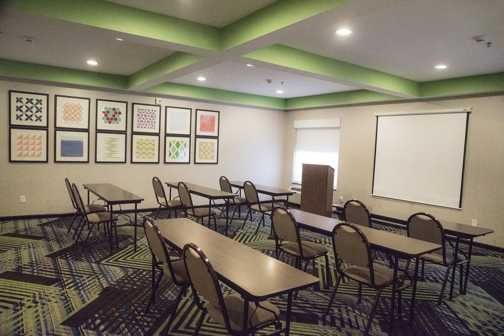 Holiday Inn Express &amp; Suites Alexandria-Meeting Room<br/>Image from Leonardo