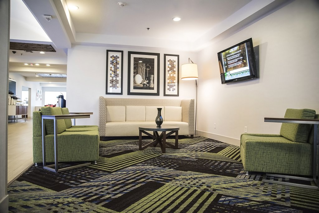 Holiday Inn Express &amp; Suites Alexandria-Guest Lounge<br/>Image from Leonardo