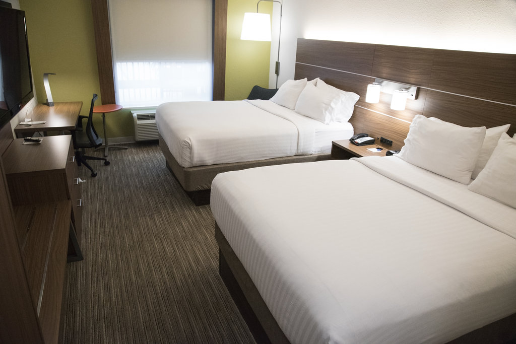 Holiday Inn Express &amp; Suites Alexandria-Queen Bed Guest Room<br/>Image from Leonardo
