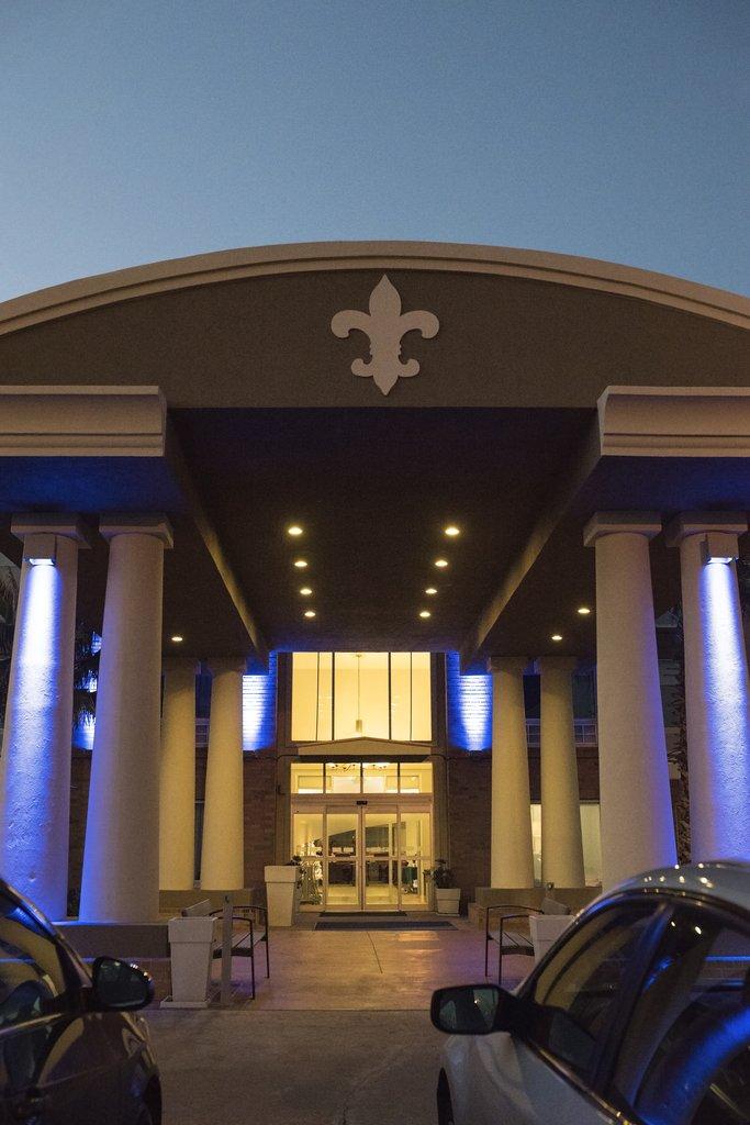 Holiday Inn Express &amp; Suites Alexandria-Hotel Exterior<br/>Image from Leonardo