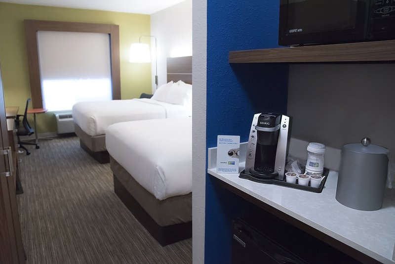 Holiday Inn Express & Suites Alexandria-Guest Room<br/>Image from Leonardo