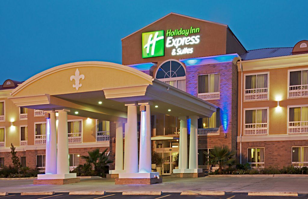 Holiday Inn Express &amp; Suites Alexandria-Guests can see our New Exterior Lighting from N. Macarthur Dr.<br/>Image from Leonardo