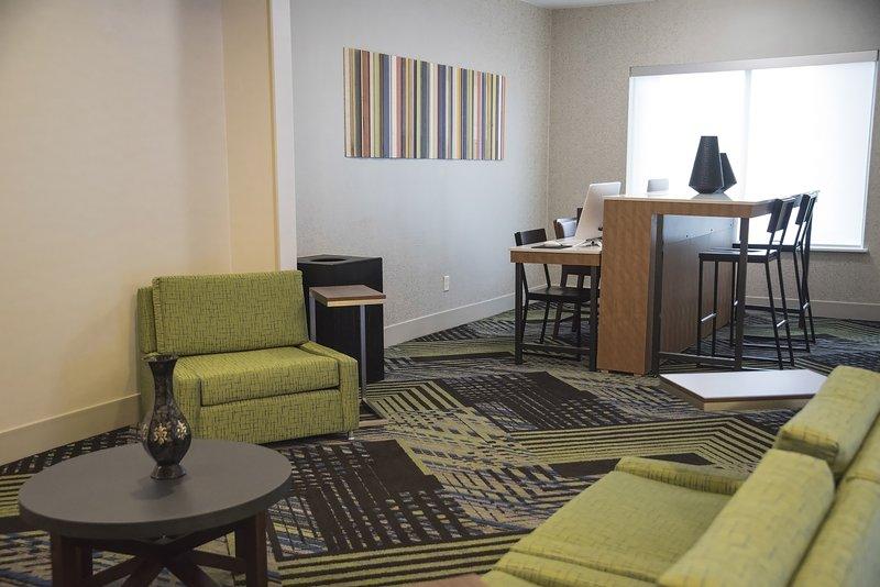 Holiday Inn Express & Suites Alexandria-Business Center<br/>Image from Leonardo