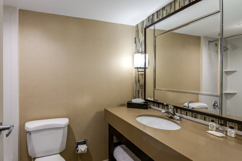 Crowne Plaza Resort Asheville-Wash off the day in our fully furnished bathrooms<br/>Image from Leonardo