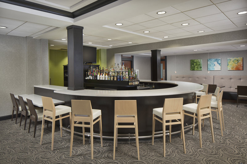Holiday Inn Grand Rapids - Airport-The bar at Grille 29 is the perfect place to unwind<br/>Image from Leonardo