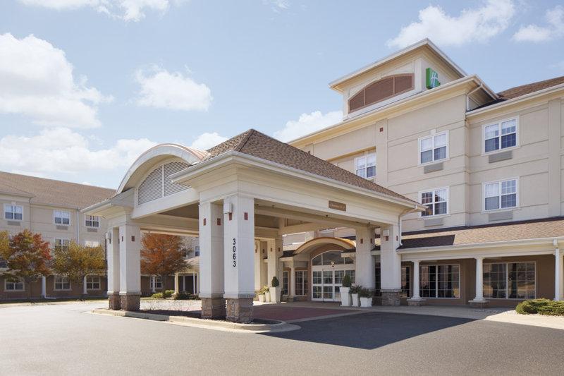 Holiday Inn Grand Rapids - Airport-Hotel Exterior<br/>Image from Leonardo