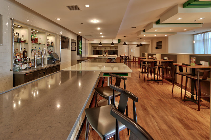 Holiday Inn Roswell-Enjoy a cold draft after a long day of travel.<br/>Image from Leonardo