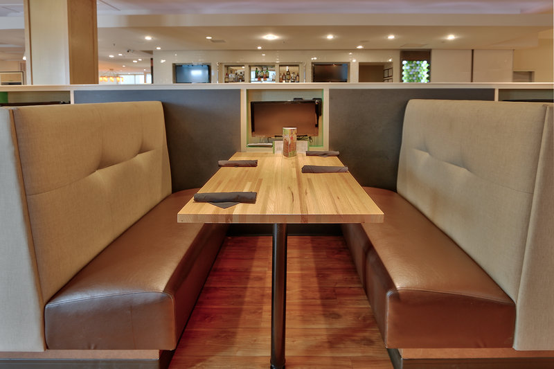 Holiday Inn Roswell-Booth seating for breakfast or dinner daily.<br/>Image from Leonardo