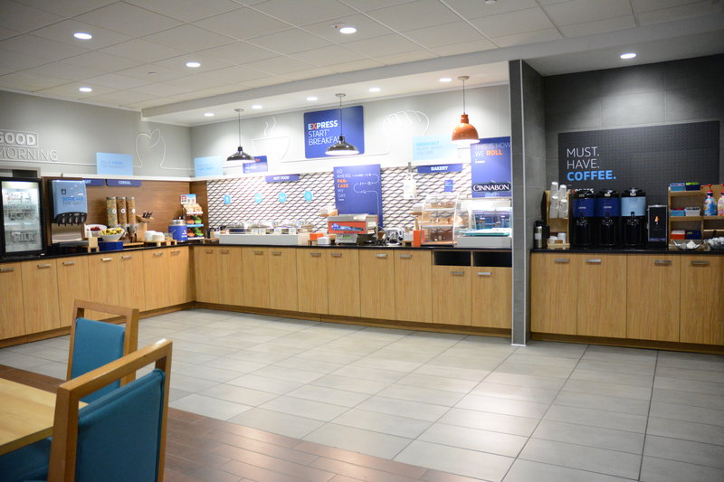Holiday Inn Express & Suites Stamford-Breakfast Area<br/>Image from Leonardo